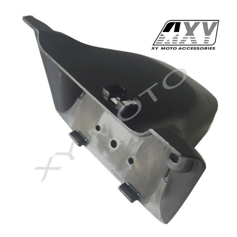 80111-GGC-700   LICENSE LIGHT ASSY COVER
